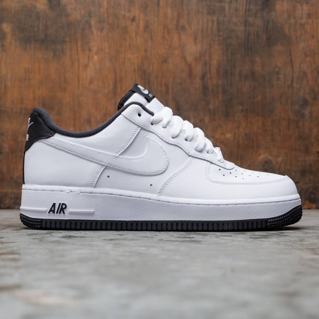 Nike Men Air Force 1 '07 (white / black-white)