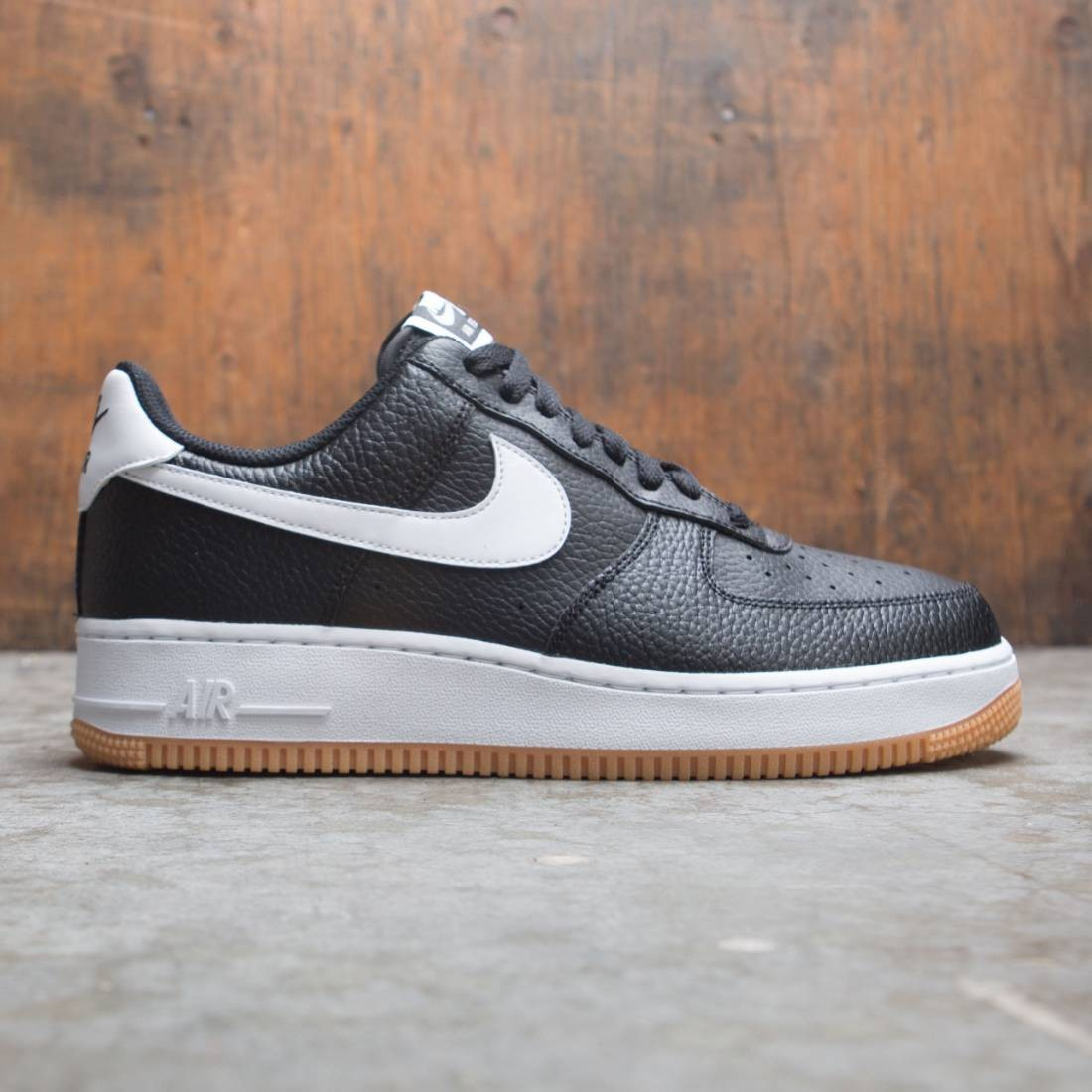 check out bff99 474c5 Nike Men Air Force 1 (black / white-wolf grey-gum med brown)