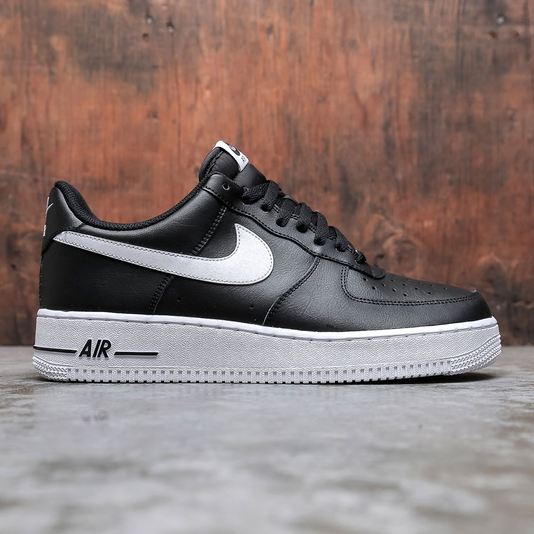 Nike Men Air Force 1 '07 (black / white)