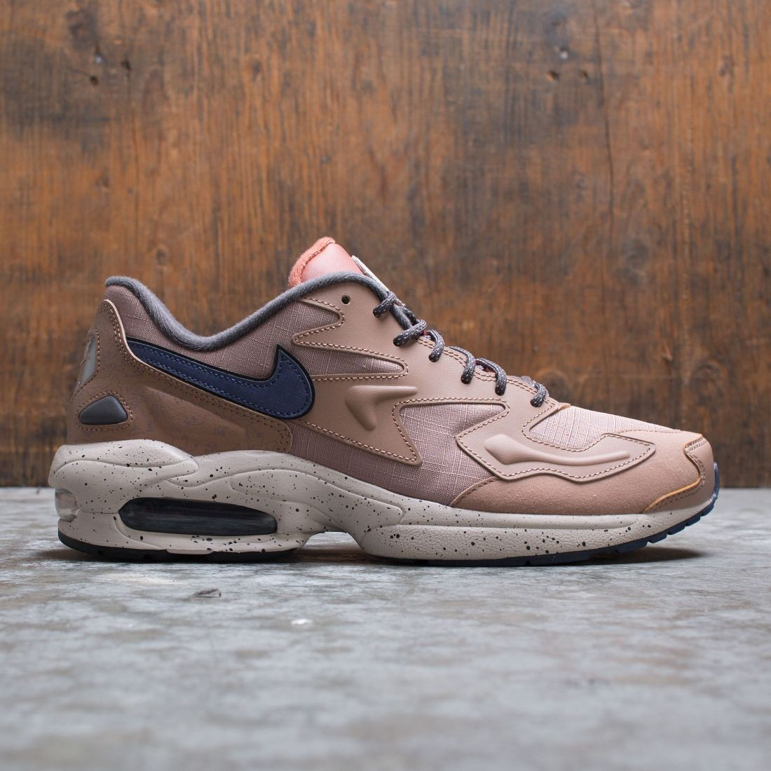 Nike Men Air Max2 Light Lx (desert dust / sanded purple-desert sand)