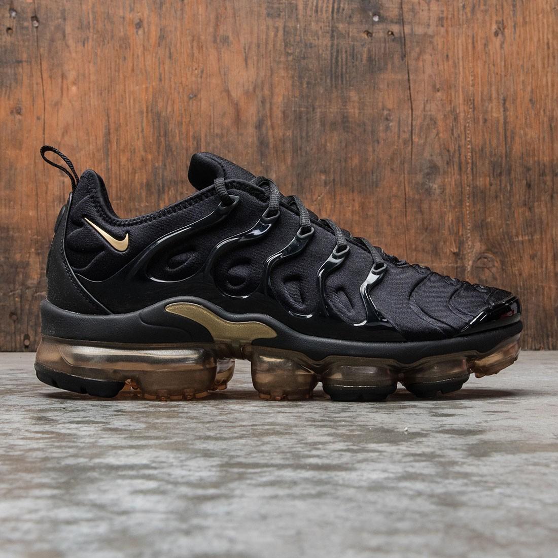 Nike Men Air Vapormax Plus (black / metallic gold)