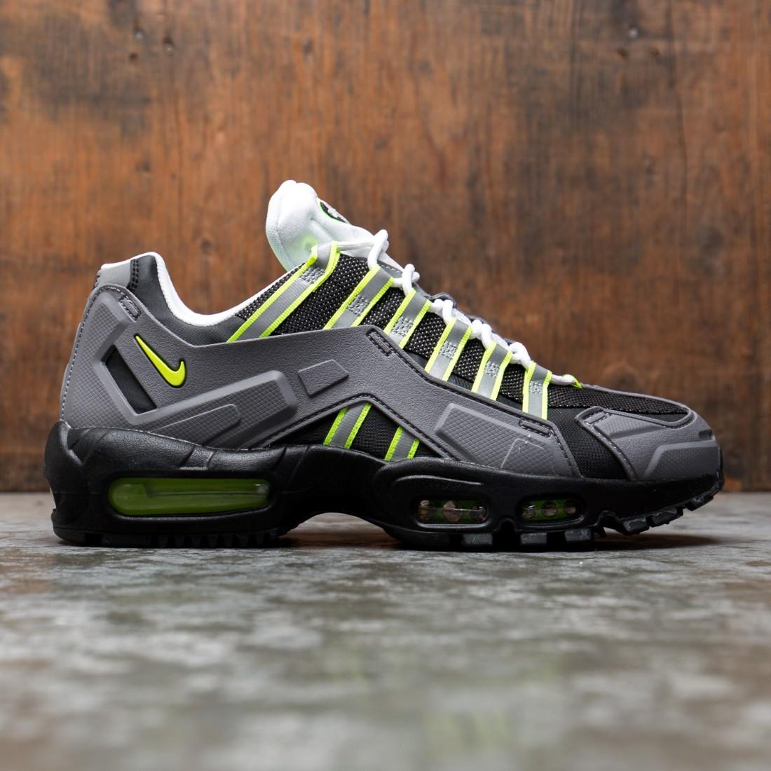 Nike Men Air Max 95 Ndstrkt (black / neon yellow-medium grey)