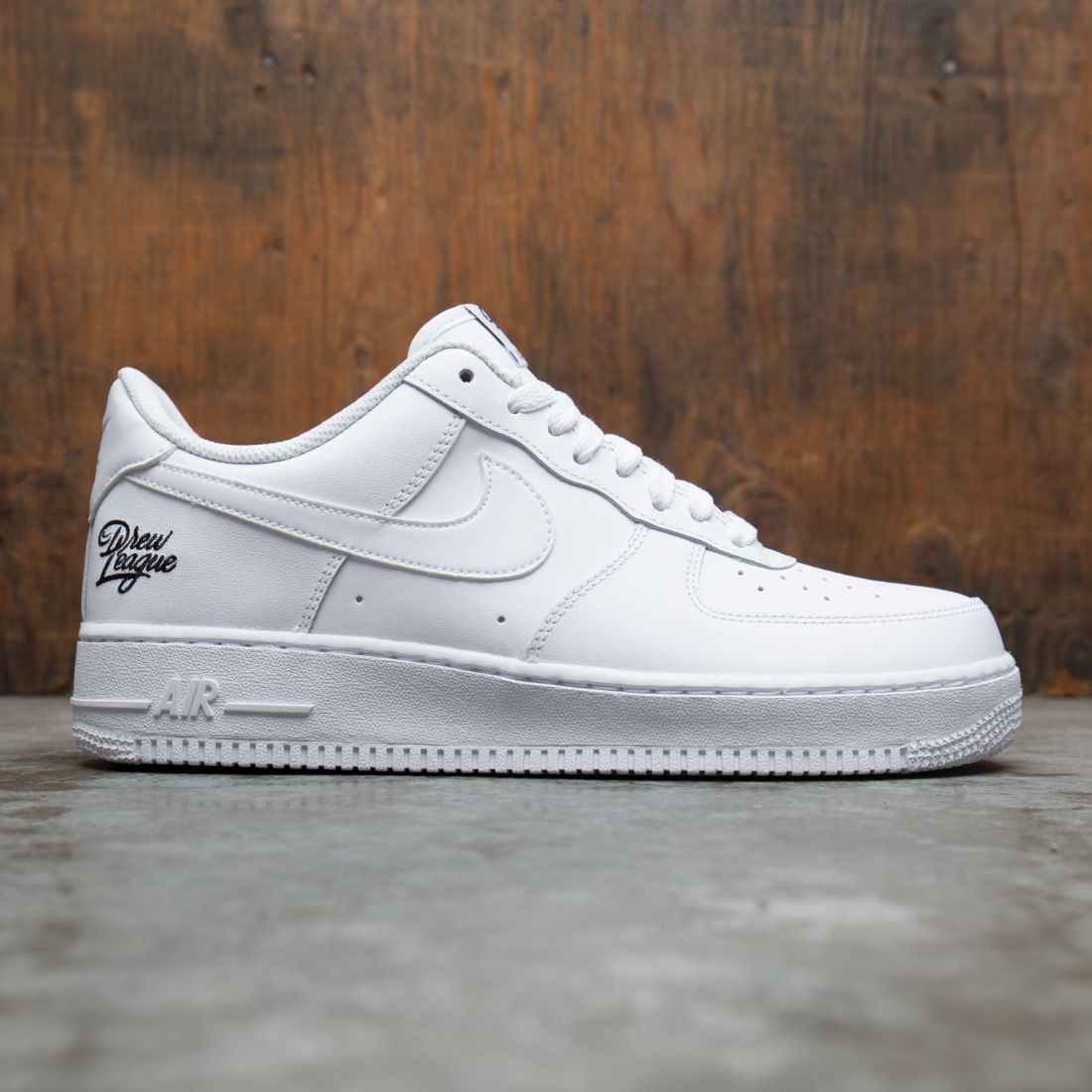 Nike Men Air Force 1 '07 Lv8 (white / white-black)