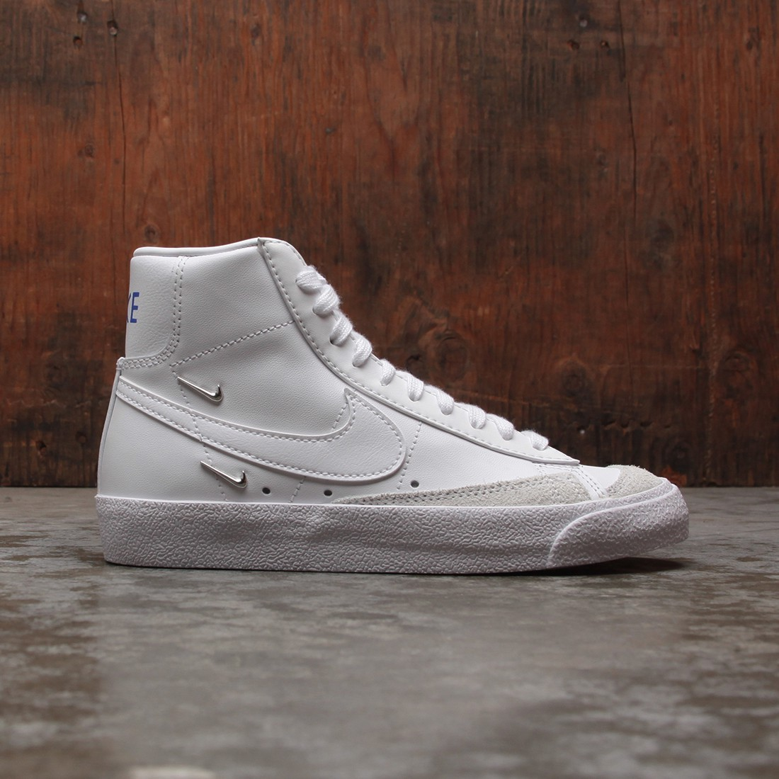 Nike Women Blazer Mid '77 Se (white / white-hyper royal)