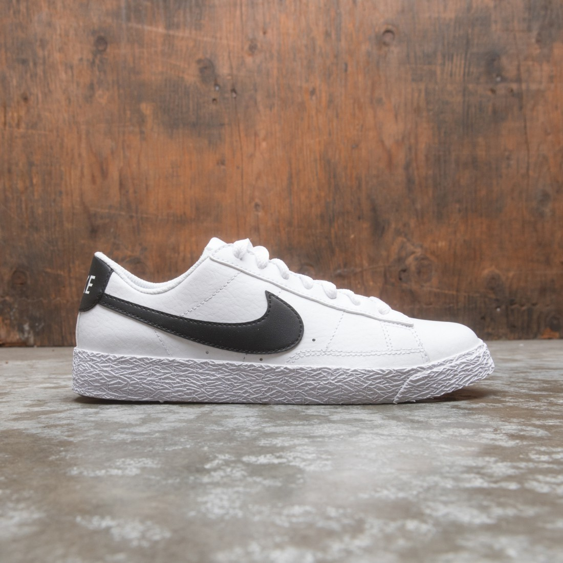 Nike Big Kids Blazer Low (white / black)