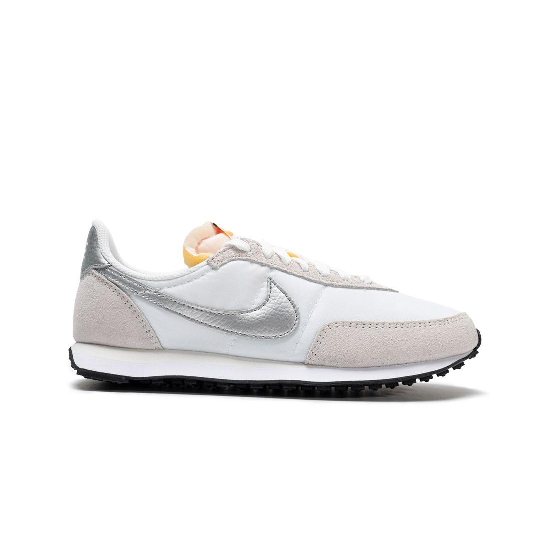Nike Women Waffle Trainer 2 (white / metallic silver-summit white)