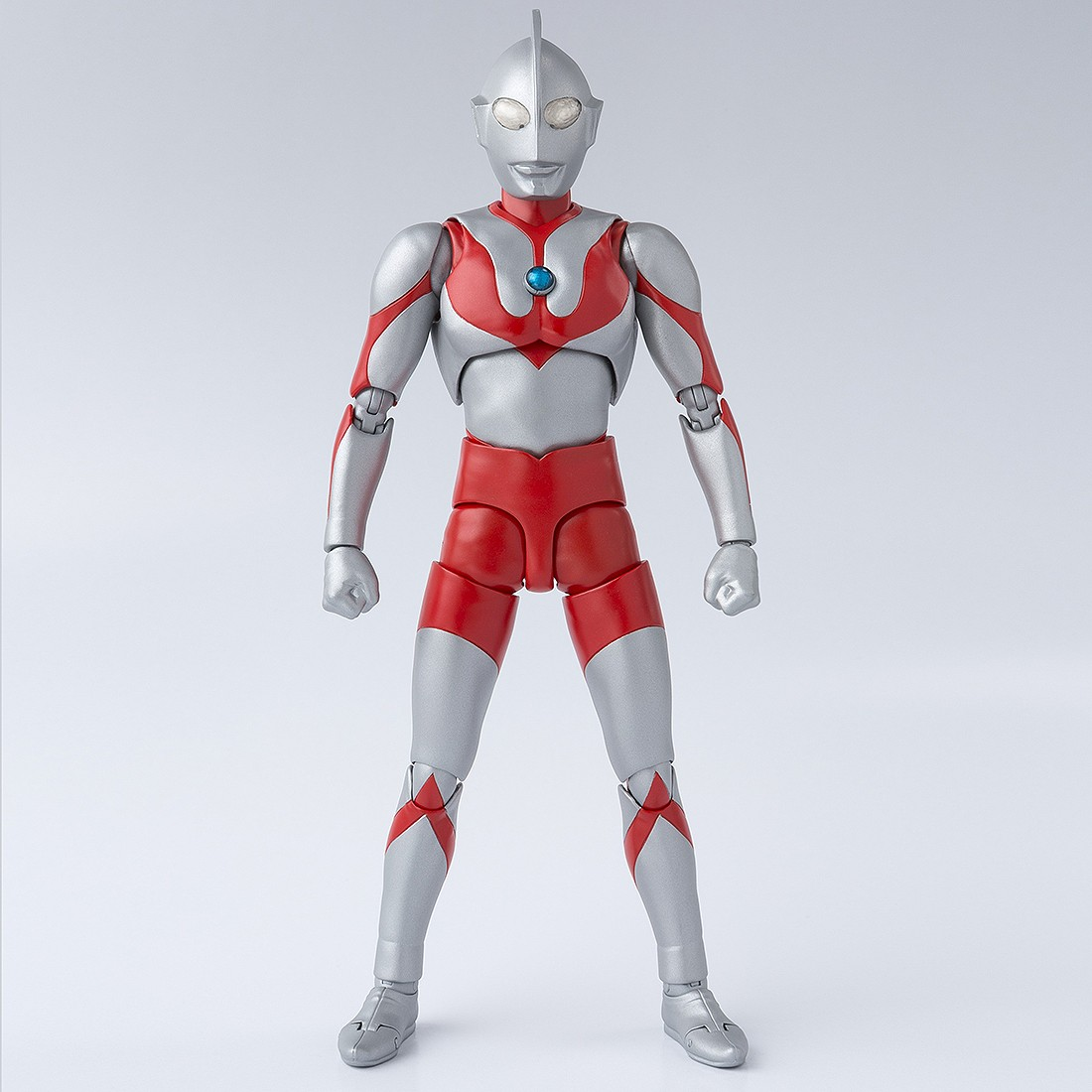 PREORDER - Bandai S.H. Figuarts Ultraman Best Selection Figure (silver)