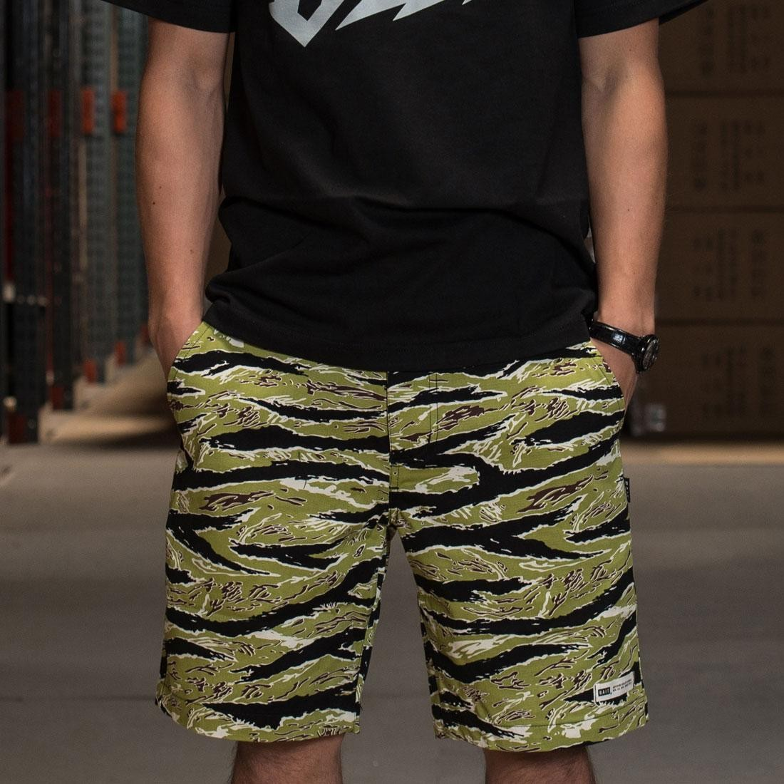BAIT Basics Chino Shorts (camo / tiger camo)
