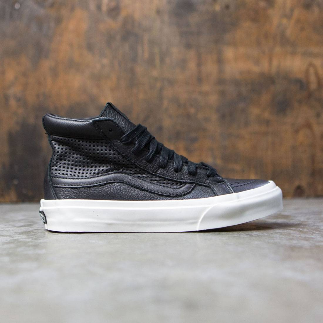 0684ceb041 Vans Women Sk8-Hi Slim Cutout DX - Square black