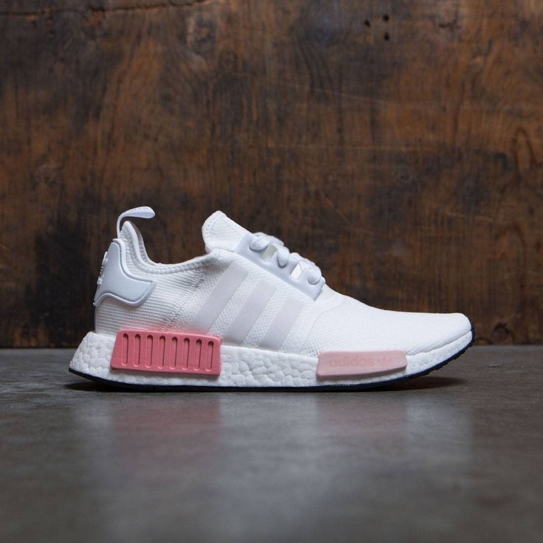 huge selection of 9c9fa 35a39 Adidas Women NMD R1 W (white / footwear white / icey pink)