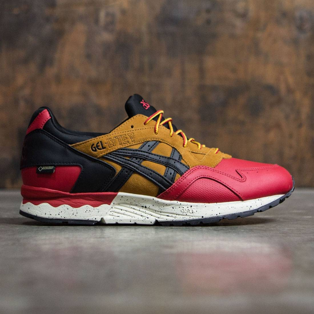 competitive price 887bc ce447 Asics Tiger Men Gel-Lyte V G-TX red black