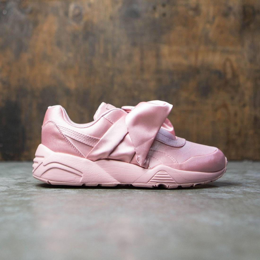 classic fit 90e3b 3100f Puma x Fenty By Rihanna Women Bow Sneaker (pink / silver)