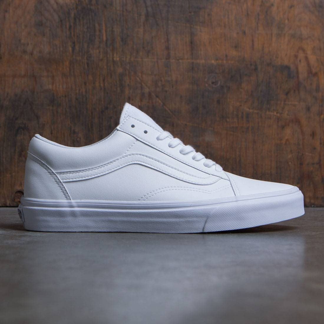 ef87371e94c Vans Men Old Skool white classic tumble