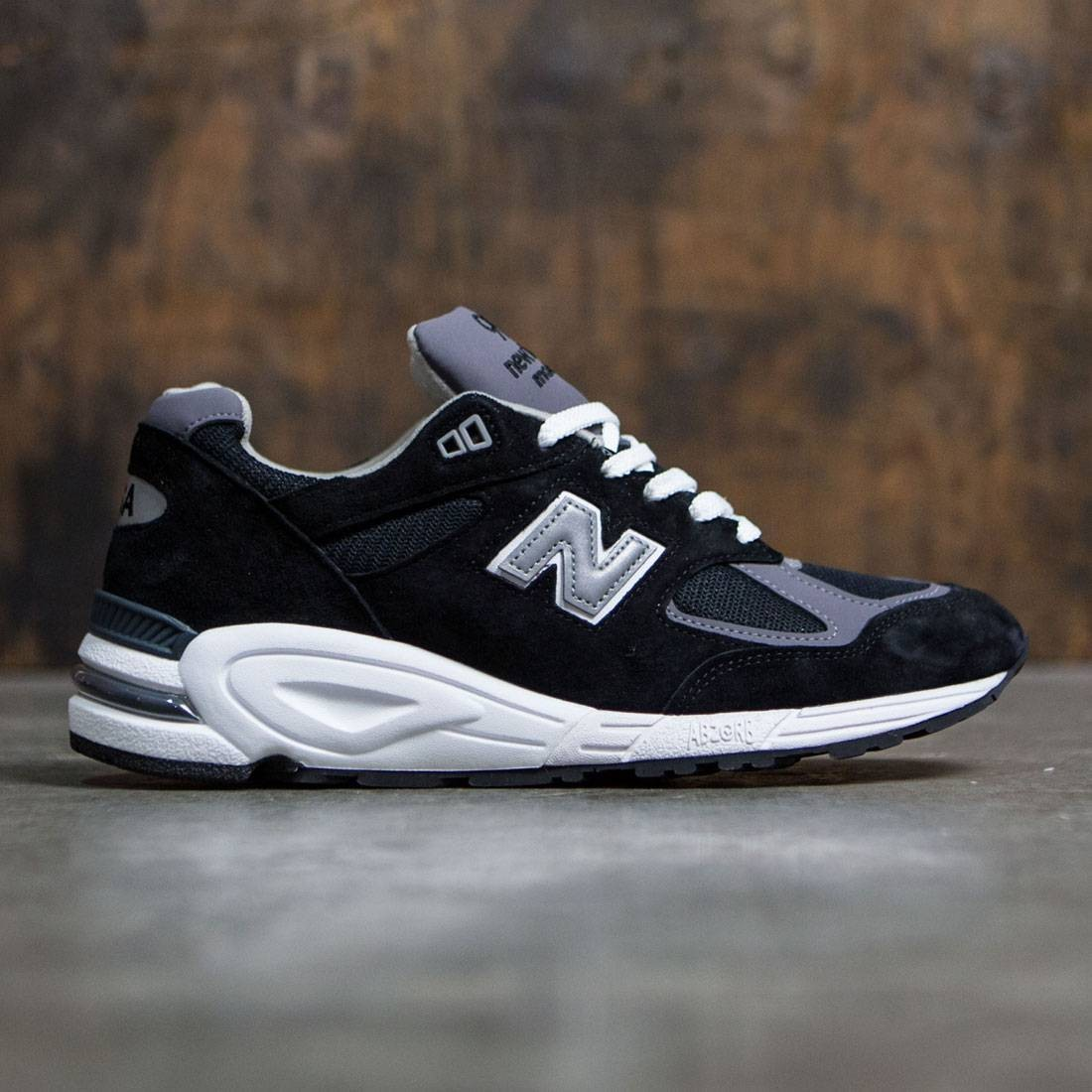 timeless design 76bd1 544c7 real new balance mens 990 heritage running shoe 74a2c cf6b2