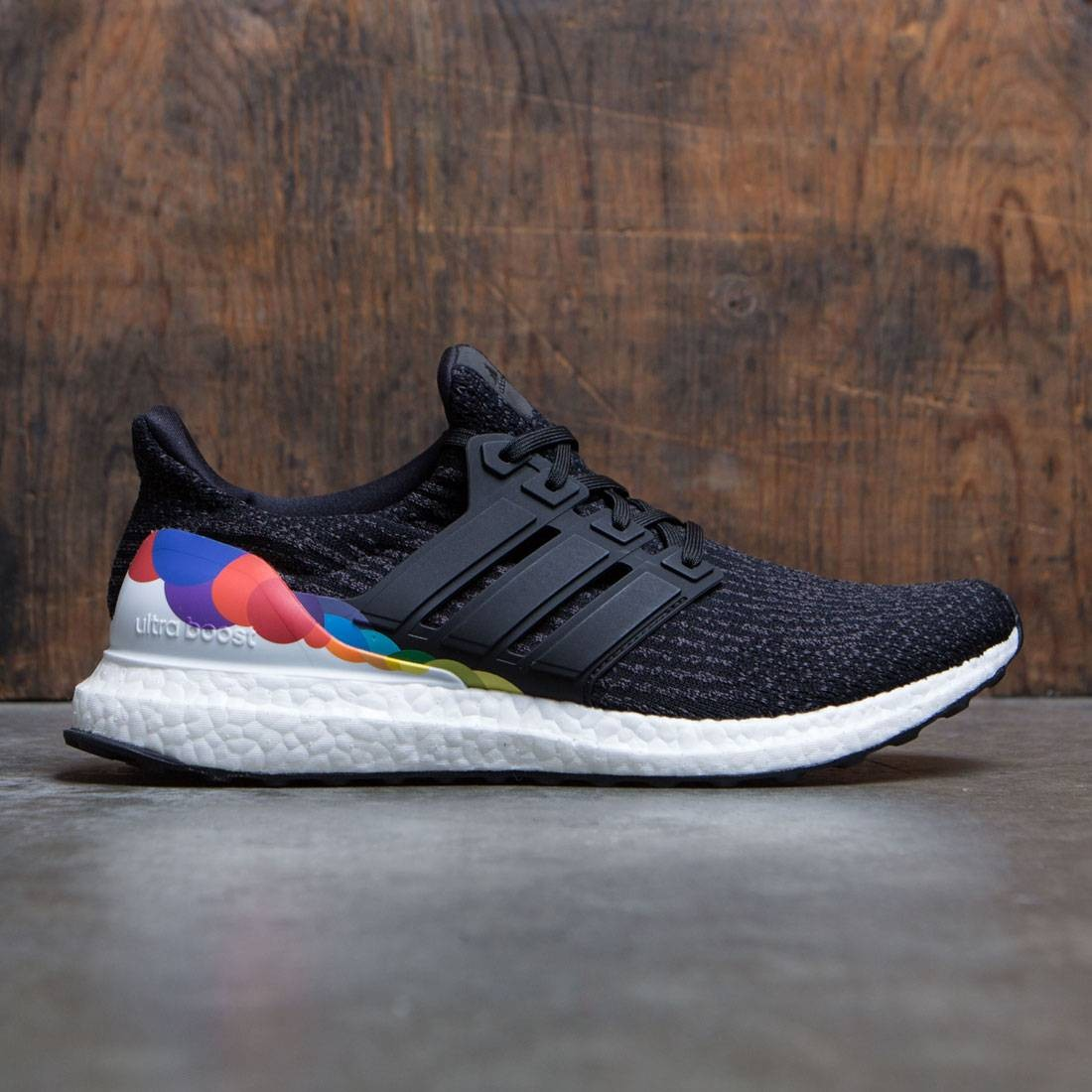 Adidas Men UltraBOOST Pride (black / utility black / footwear white)