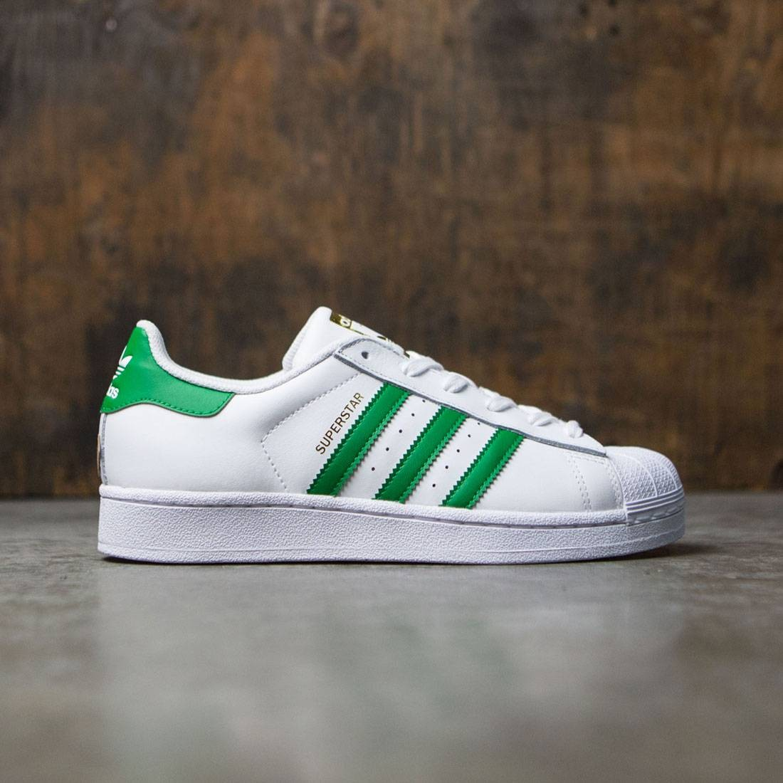 low priced 86637 edf29 Adidas Big Kids Superstar Foundation J white green gold metallic
