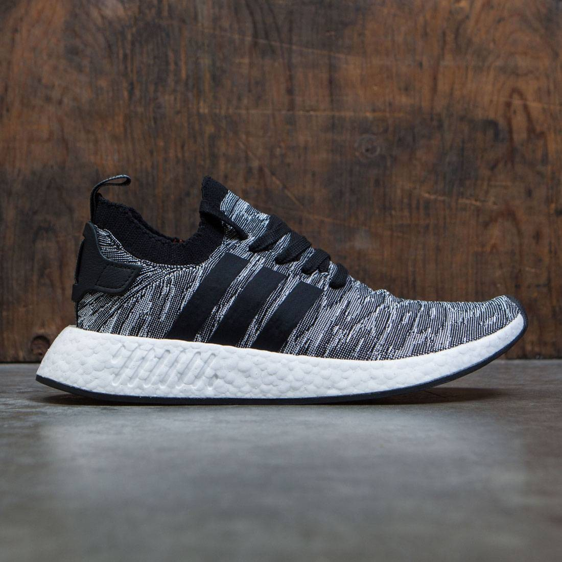 hot sale online 57e0a 4fcca Adidas Men NMD R2 Primeknit black core black footwear white