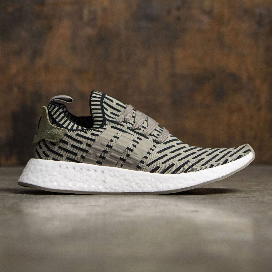 548df0bb4 Adidas Men NMD R2 Primeknit (green   trace cargo   core black)