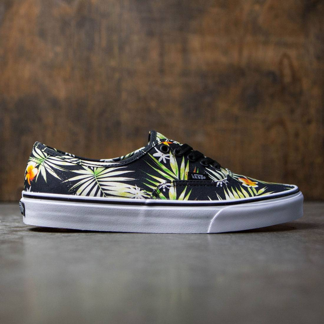5b74221c23 Vans Men Authentic - Decay Palms black true white