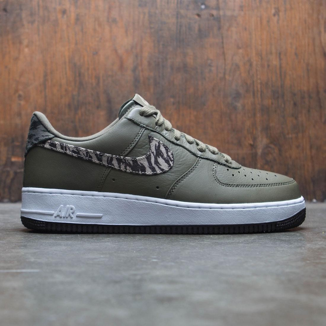 Nike Men Air Force 1 Aop Prm (medium olive khaki velvet brown white)