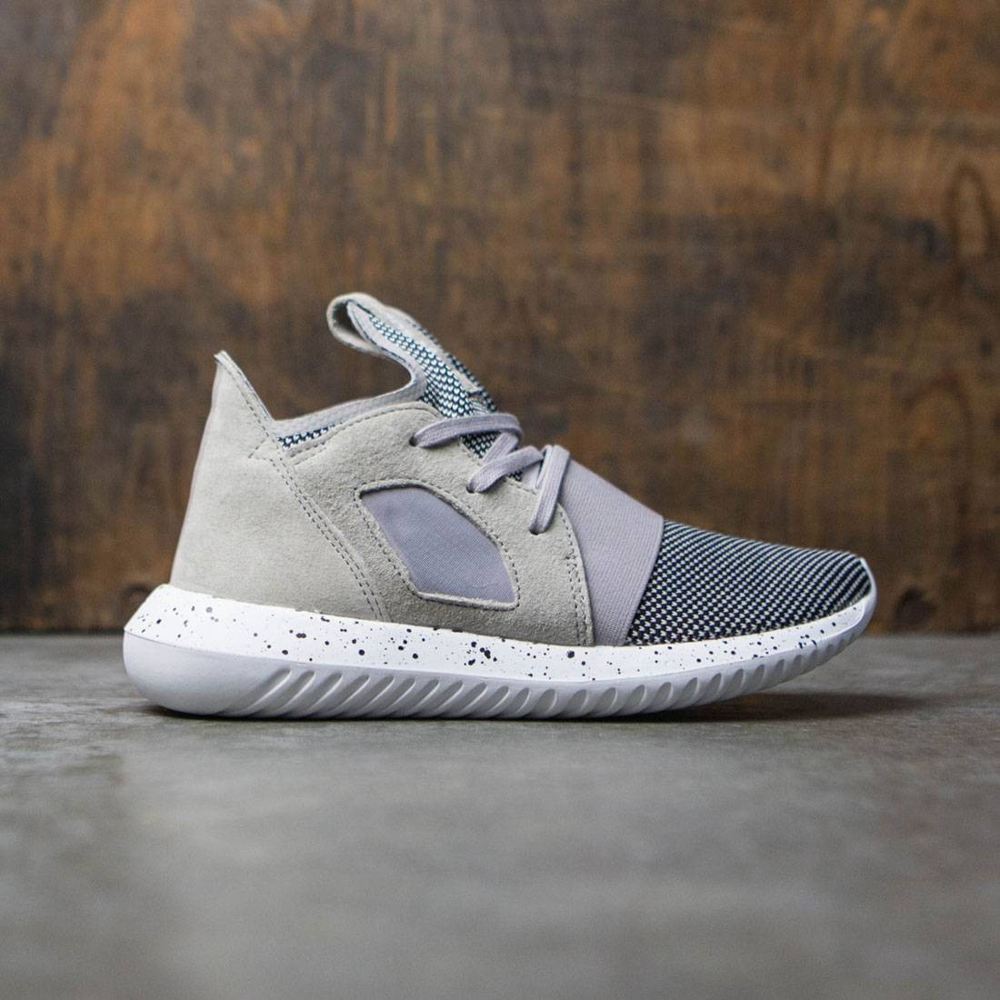 buy online 0f097 49b5c Adidas Women Tubular Defiant (gray / clear granite / footwear white)