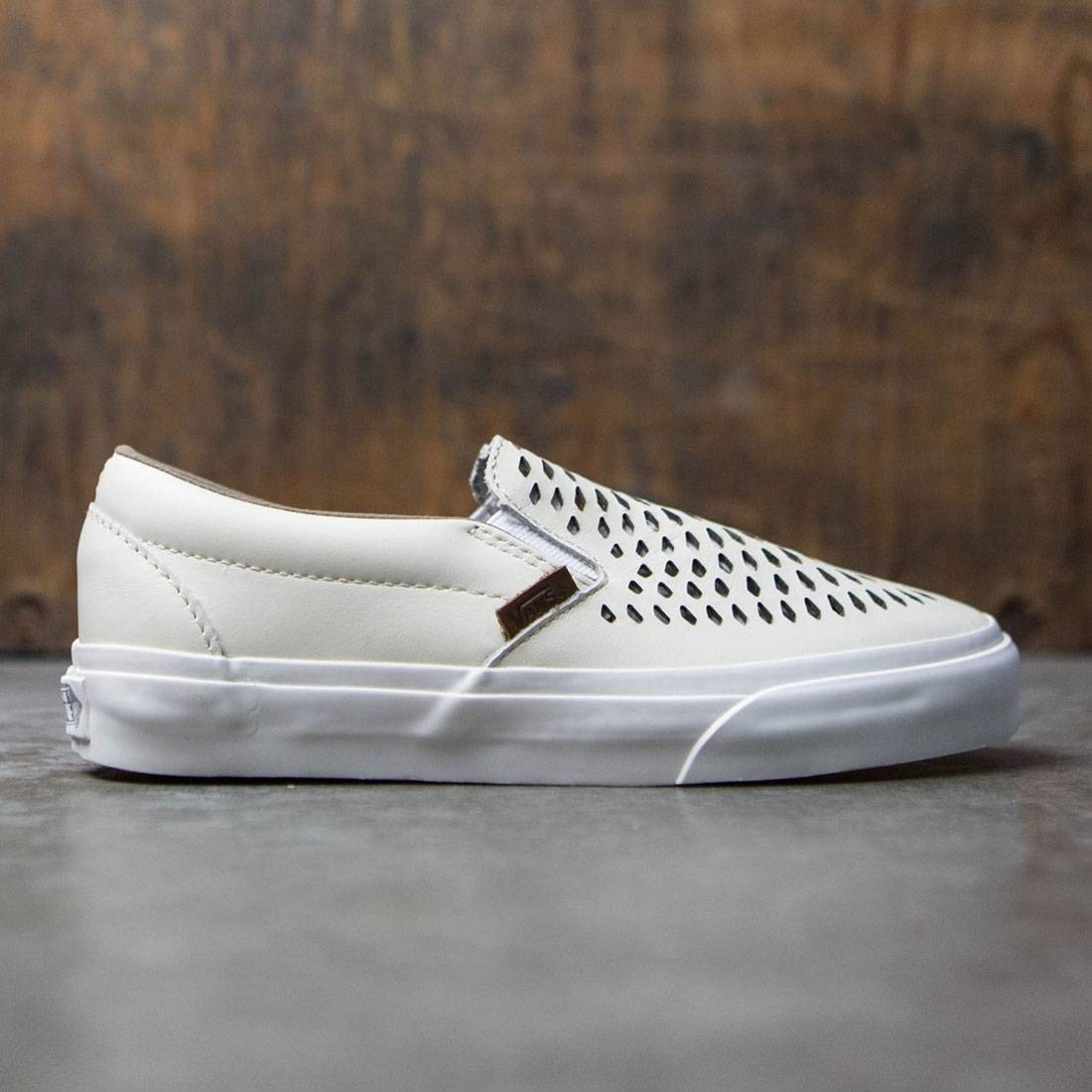 134b034790 Vans Men Classic Slip-On Dx - Havana Perforated Leather white