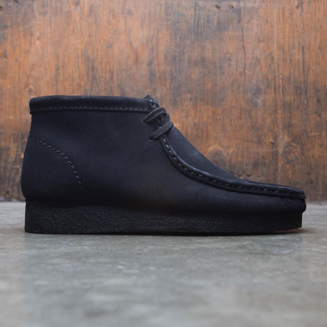 finest selection sale retailer shades of Clarks Men Wallabee Boot (black / suede)