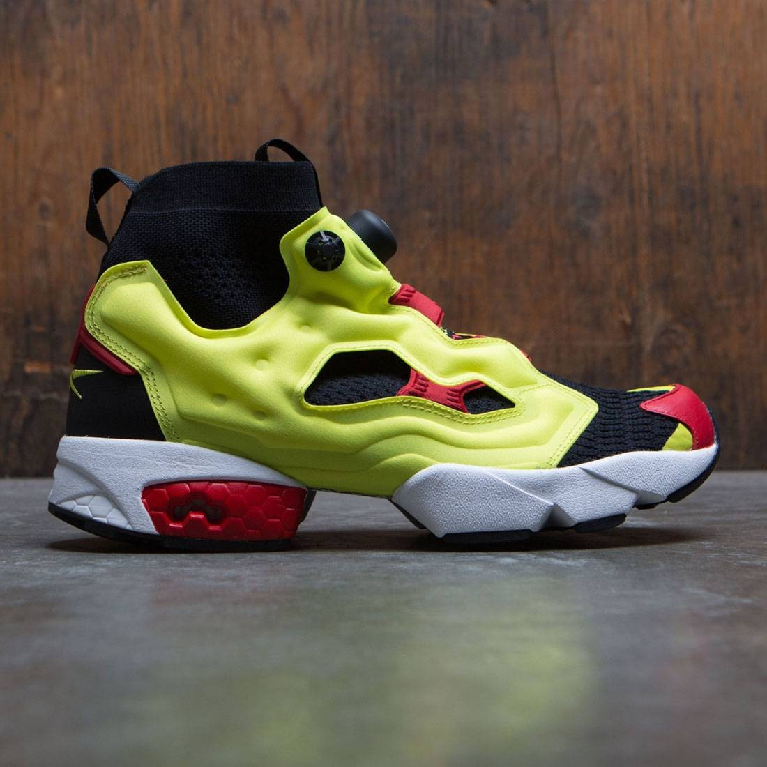 Reebok Men InstaPump Fury OG Ultraknit (black   hypergreen   rbk red   white ) a6d9ef427