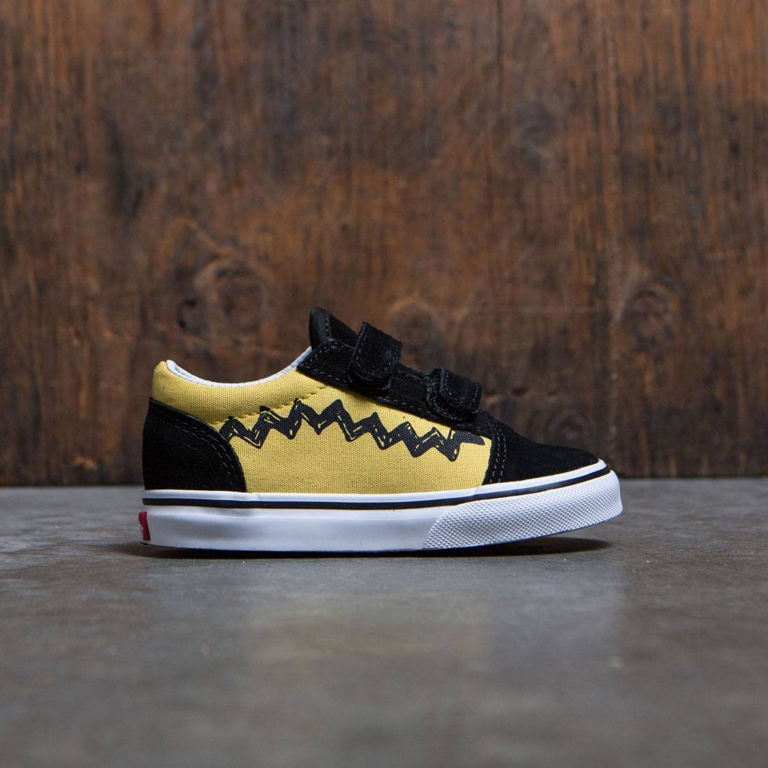 Vans x Peanuts Toddlers Old Skool V - Charlie Brown yellow black 532231db9