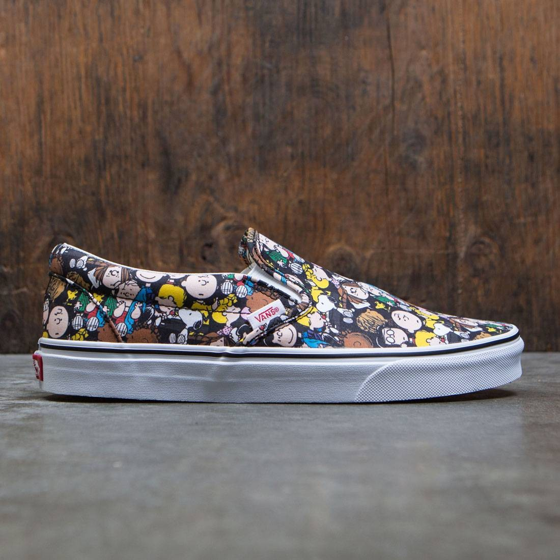 bbcdb83f91bd Vans x Peanuts Men Classic Slip-On - The Gang black