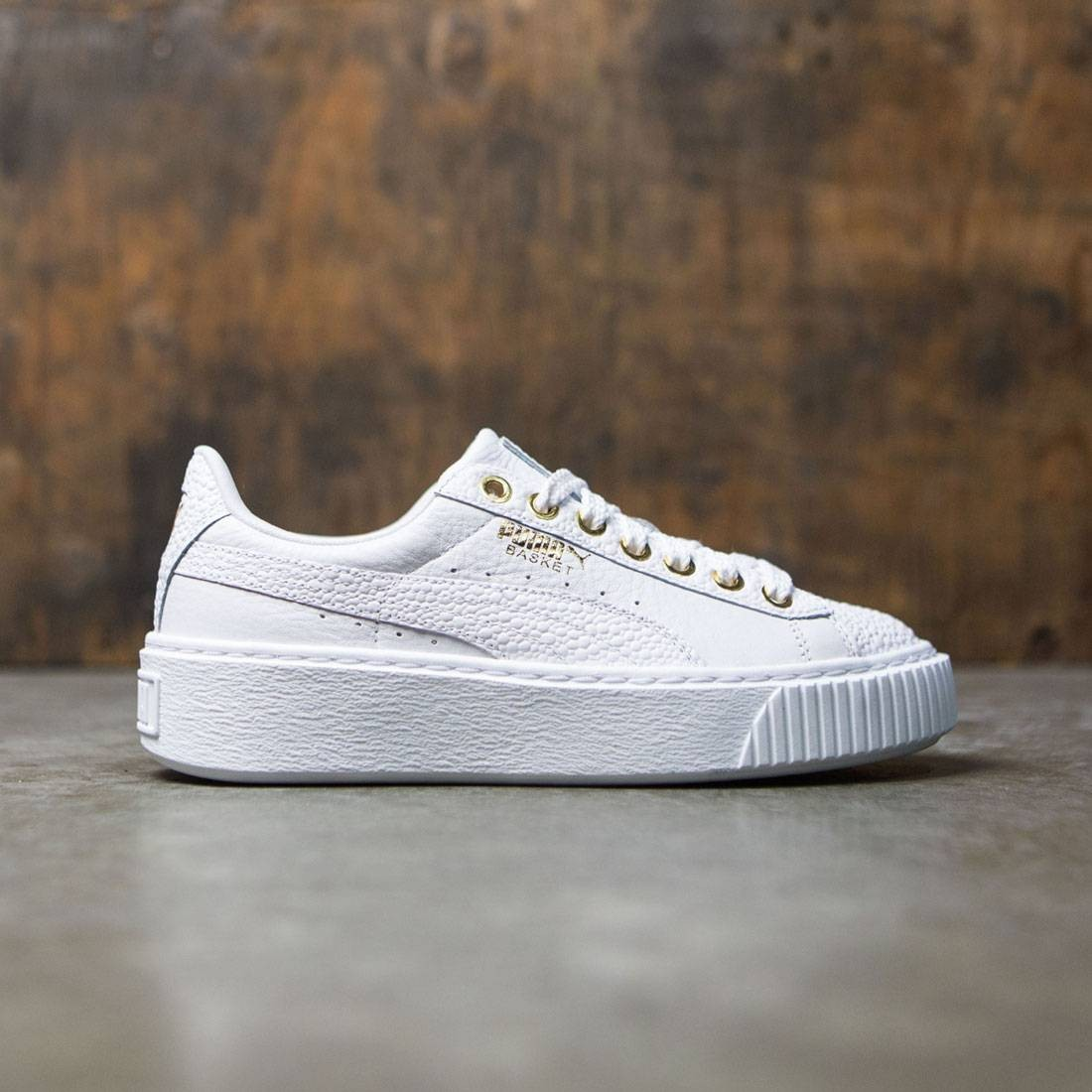 detailed look bfab3 c1088 Puma Women Basket Platform Pearlized (white)