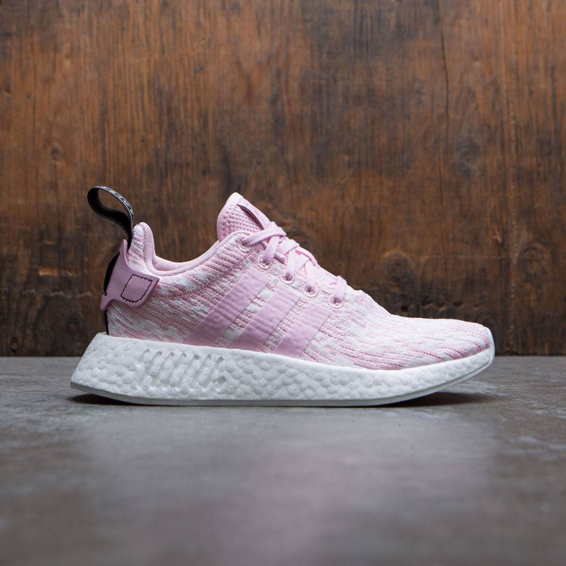 huge selection of f3fde ccb27 Adidas Women NMD R2 W pink wonder pink core black