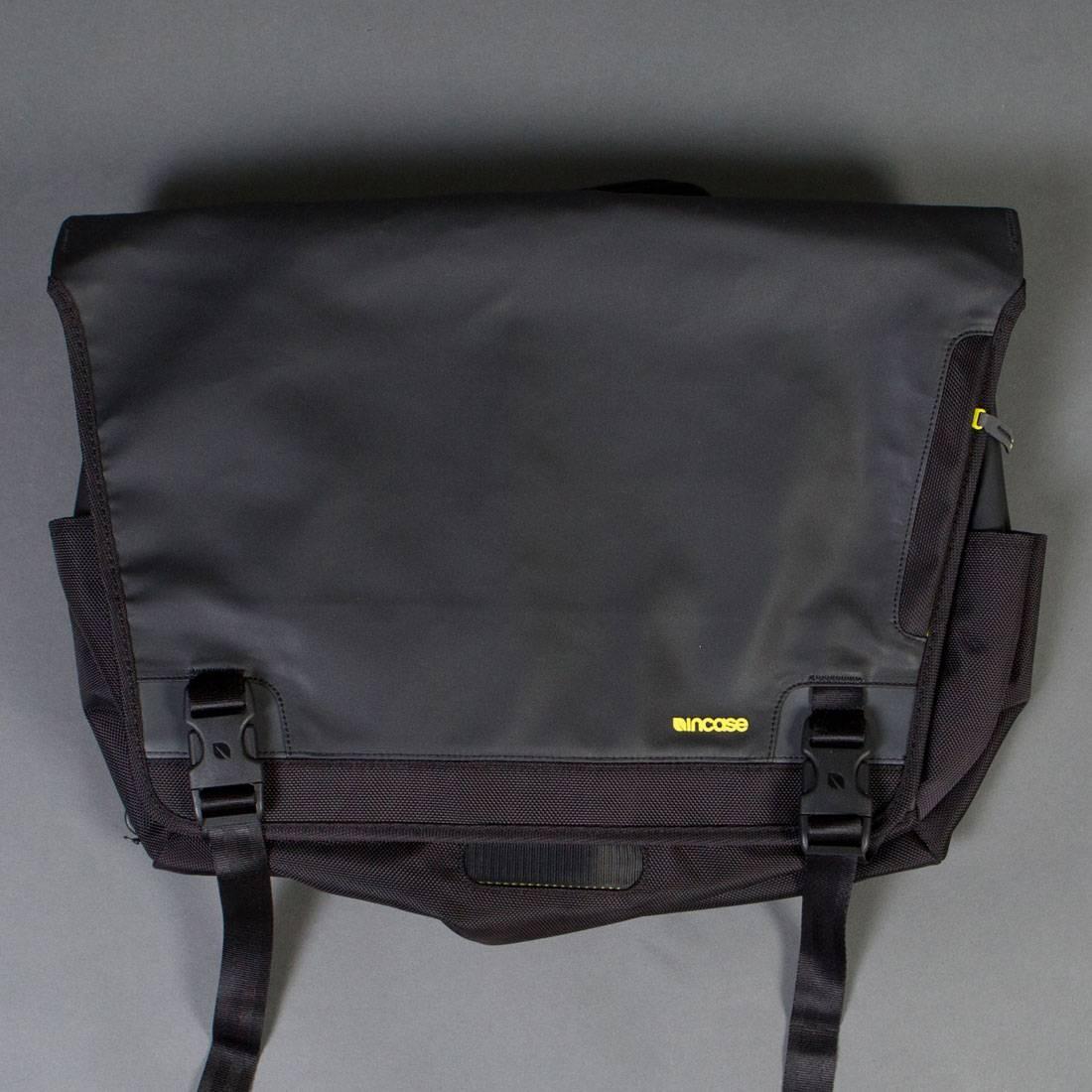 fd9e6d08a994 Incase Range Messenger Bag - Large black lumen