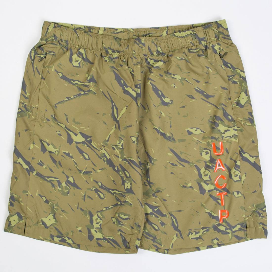 Undefeated Men UACTP 5 Strike Poly Shorts (camo)