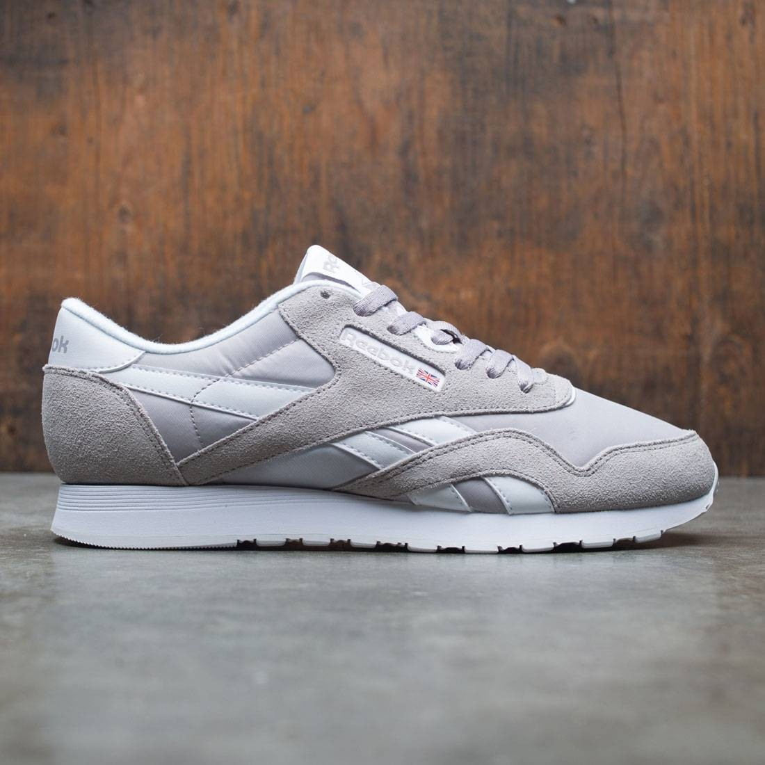 Sells köper nu Storbritannien butik Reebok Men Classic Nylon gray whispher grey white
