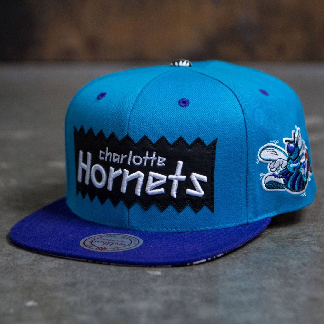 BAIT x NBA x Mitchell And Ness Charlotte Hornets STA3 Wool Snapback Cap (teal / purple)