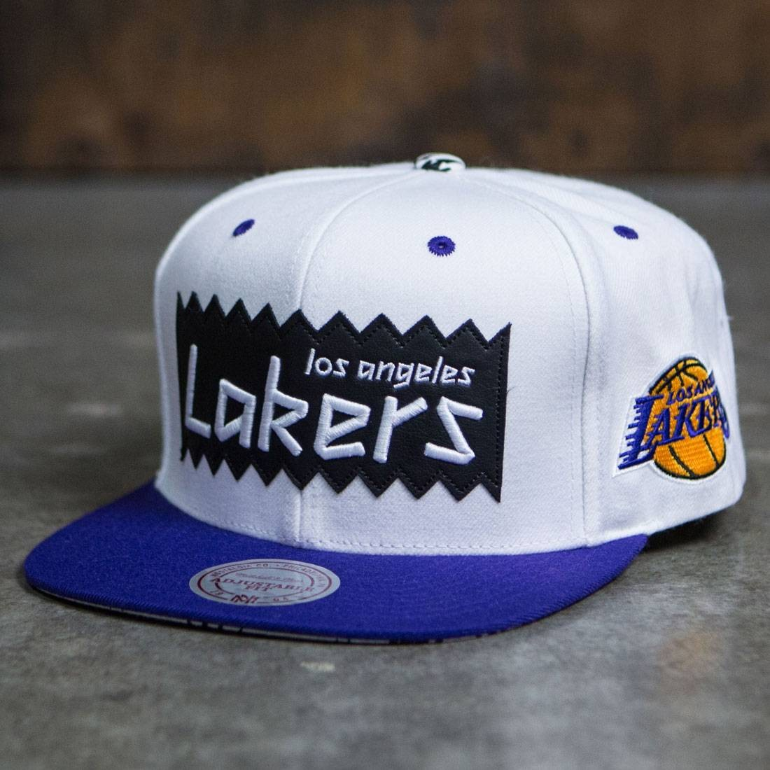 BAIT x NBA x Mitchell And Ness Los Angeles Lakers STA3 Wool Snapback Cap (white)