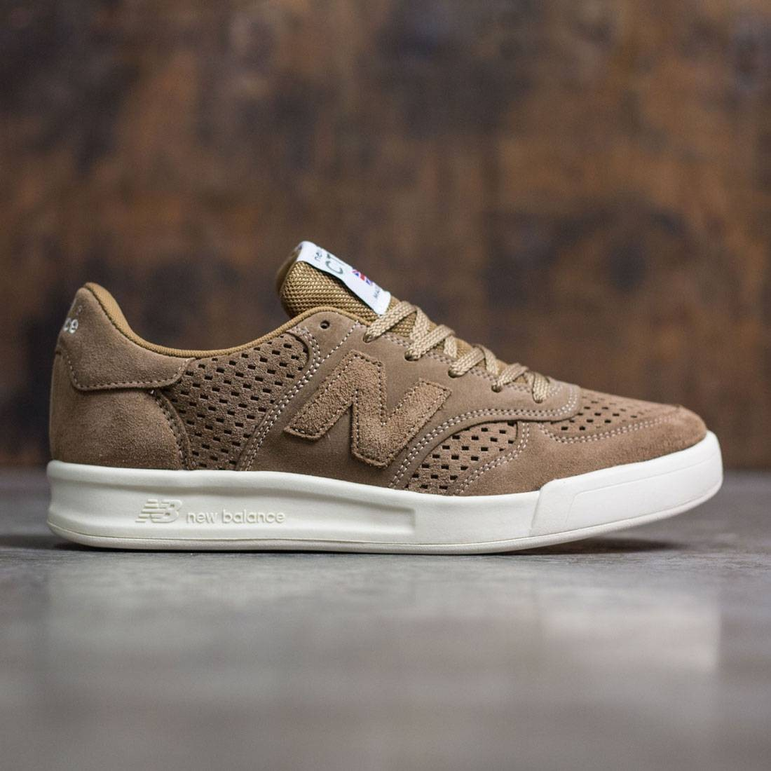 Complejo compañero Cerebro  New Balance Men CT300SLB - Made In UK brown oatmeal
