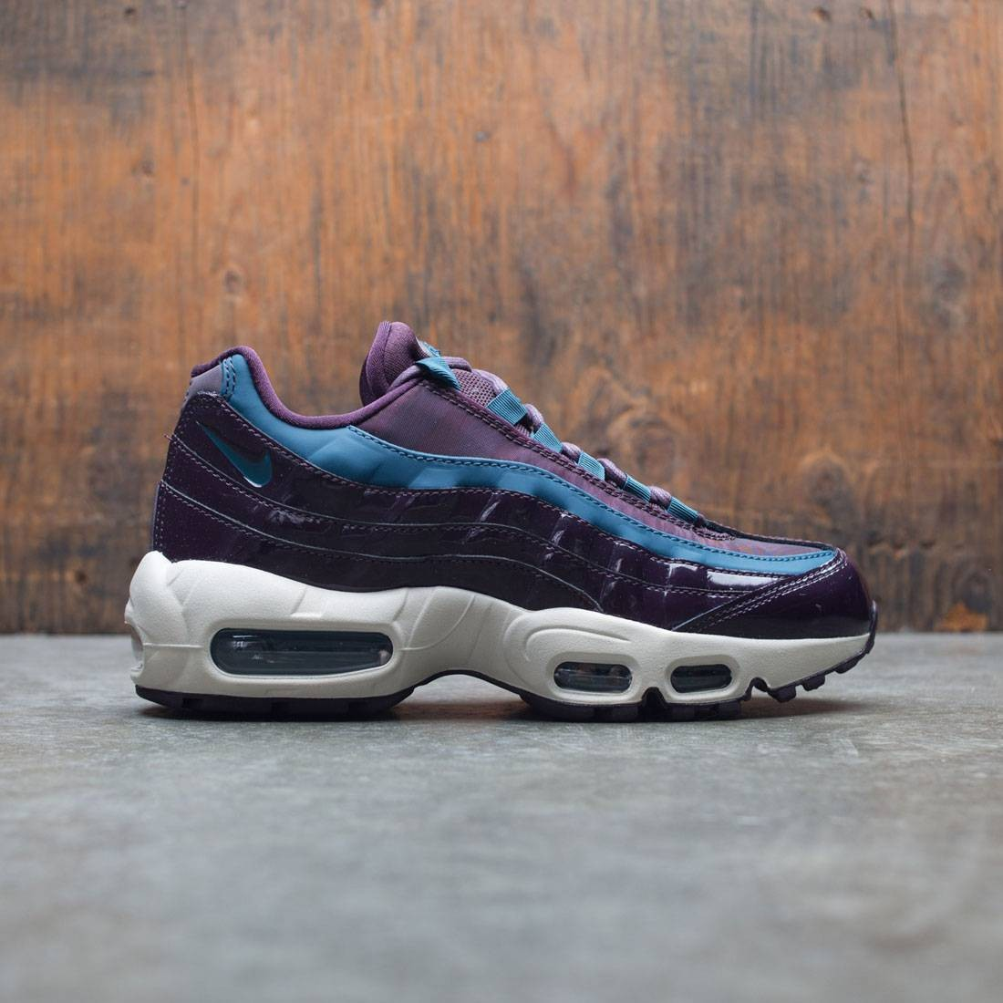 nike women air max 95 special edition premium port wine space blue port wine f7534c427e