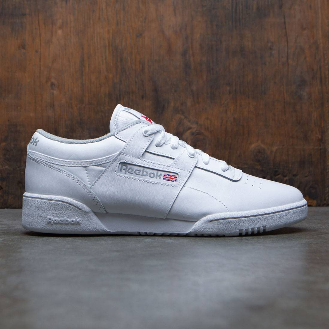 b0cecf7cf1049 Reebok Men Workout Low white grey