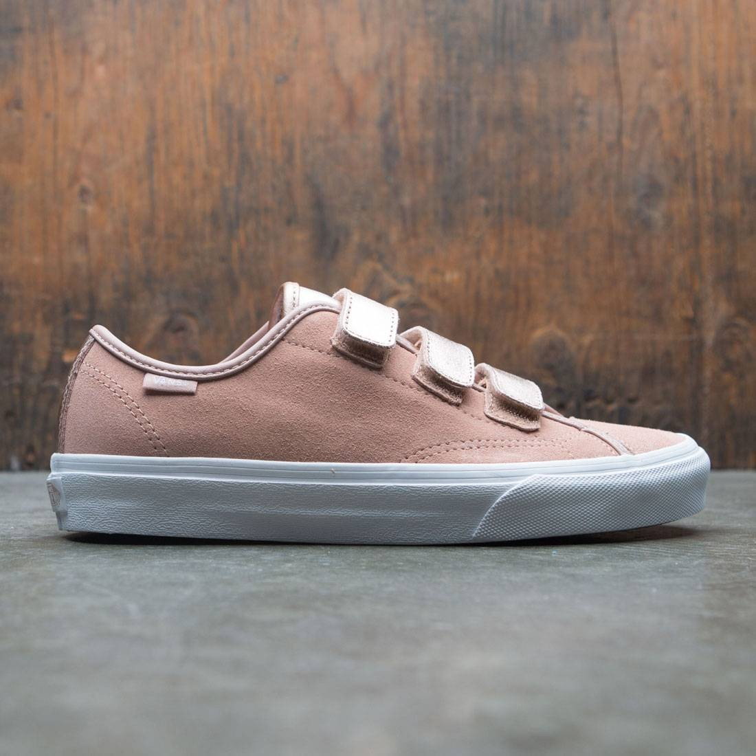 20e7390a3e Vans Men Style 23 V - 2 Tone Metallic gold rose white