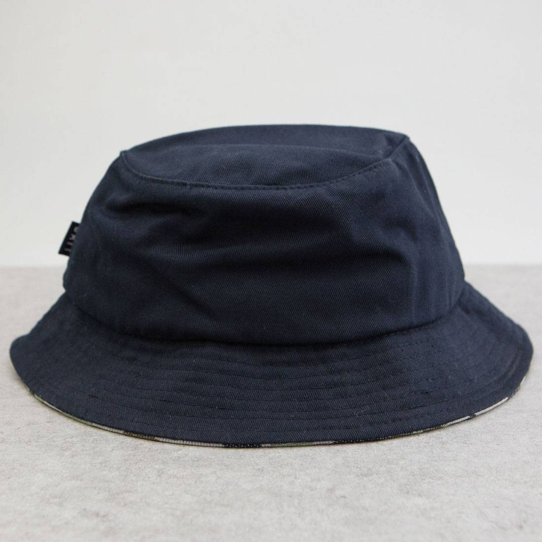BAIT Script Bucket Hat (navy)