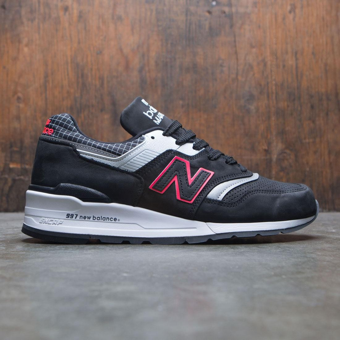 4ce9252f91e035 New Balance Men 997 Color Spectrum M997CR - Made In USA black white red