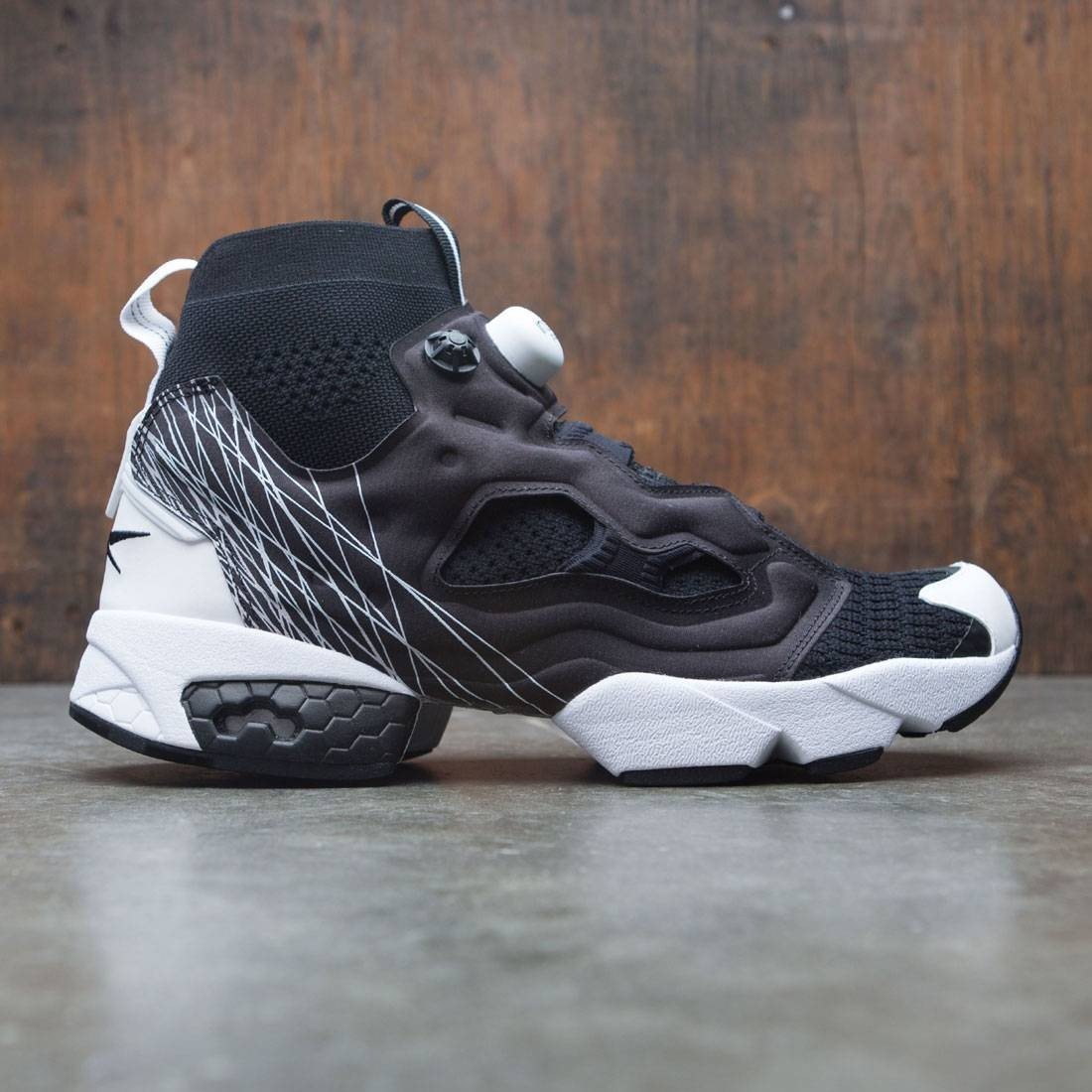 premium selection 5c24e 3d582 Reebok Men InstaPump Fury OG Ultraknit TL (black   white)
