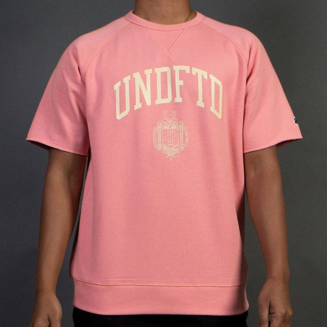 Undefeated Men College Short Sleeve Crewneck Sweater (coral)