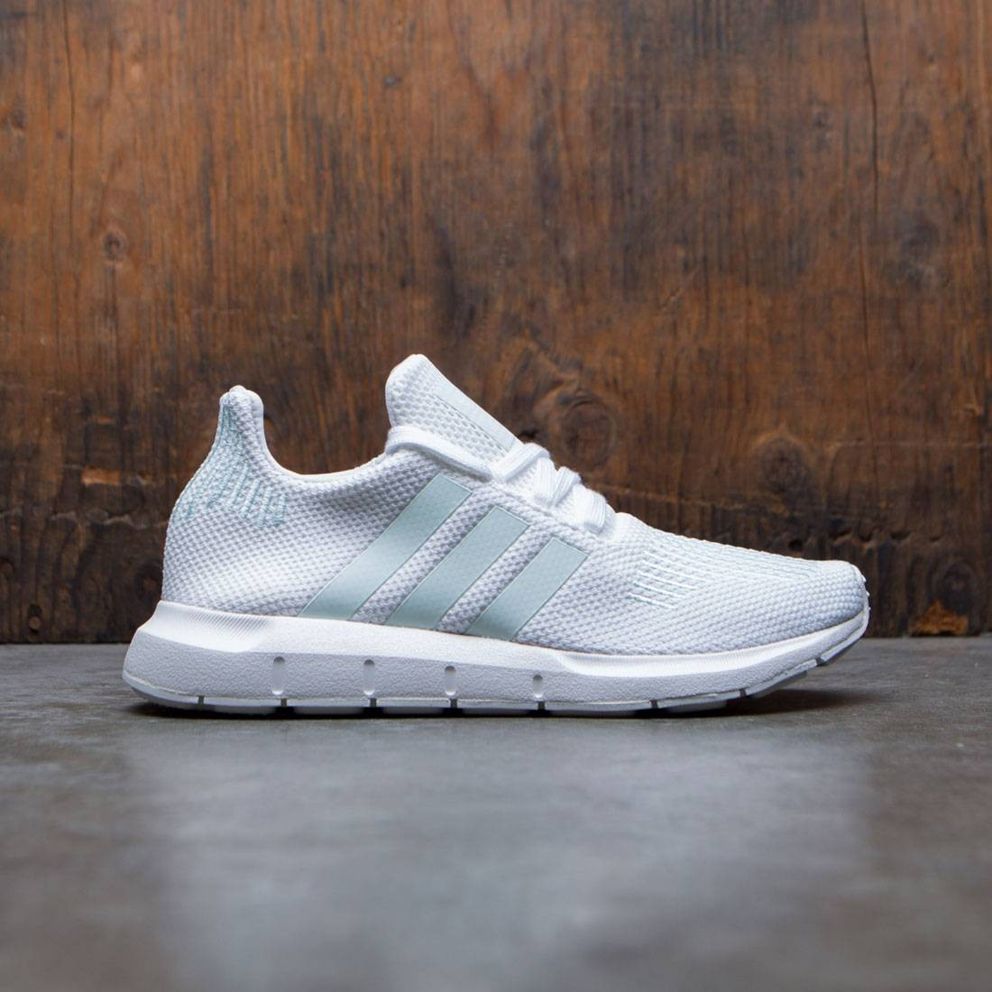 9c552e0823ef47 Adidas Women Swift Run W white grey one ice mint