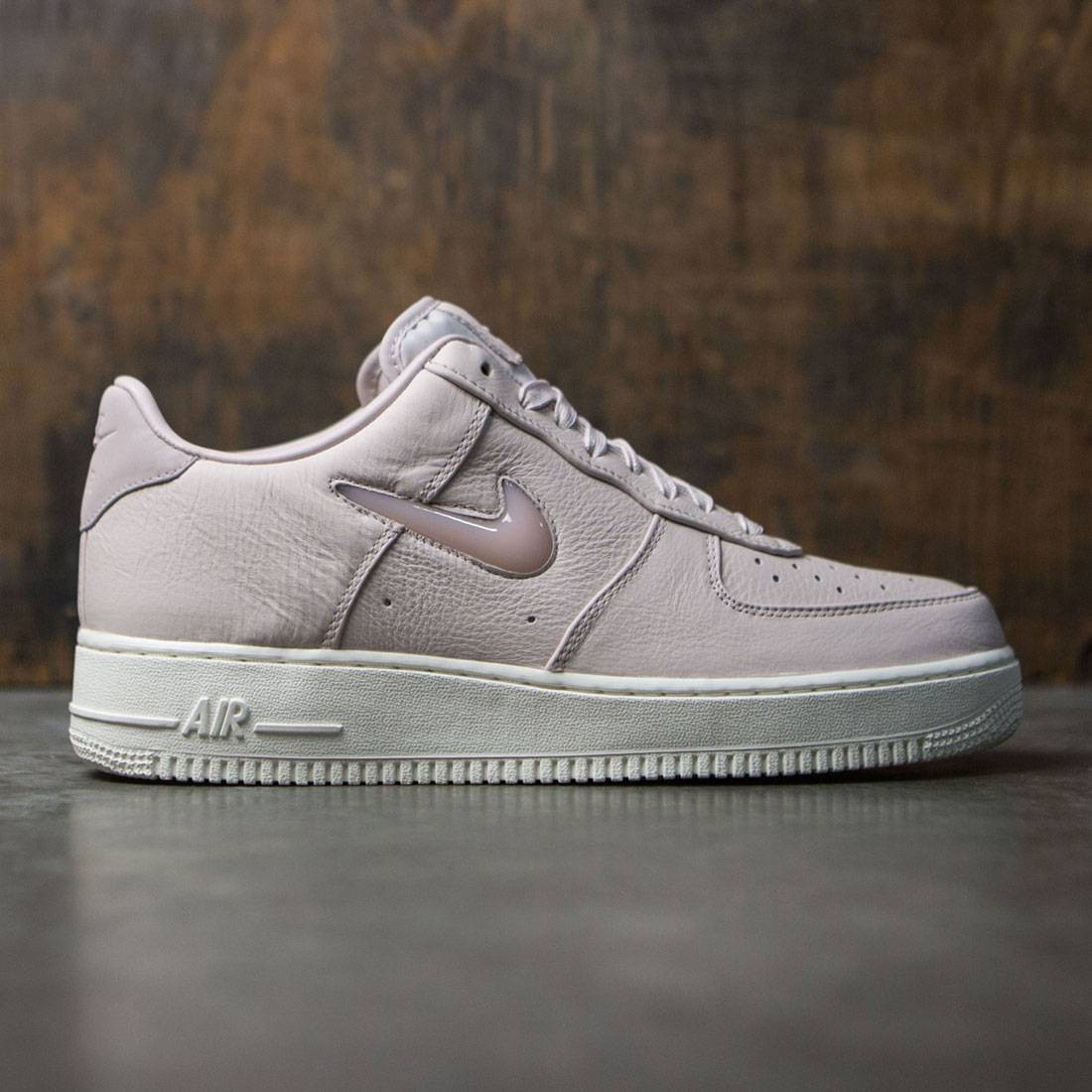 NikeLab Men Air Force 1 Premium Retro (pink / silt red-sail)