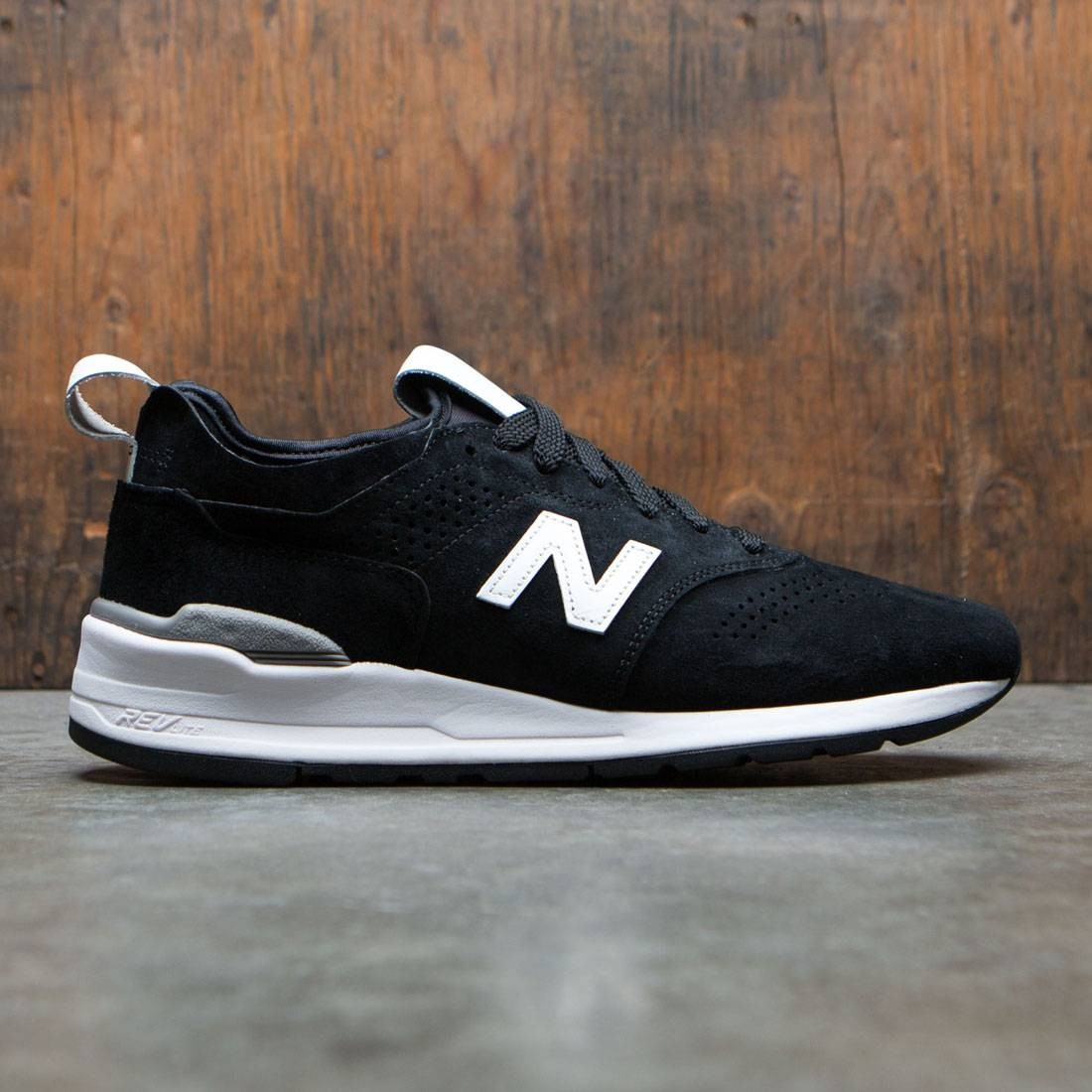 best service 02109 e8ef2 New Balance Men 997 Deconstructed M997DBW2 - Made In USA (black / white)