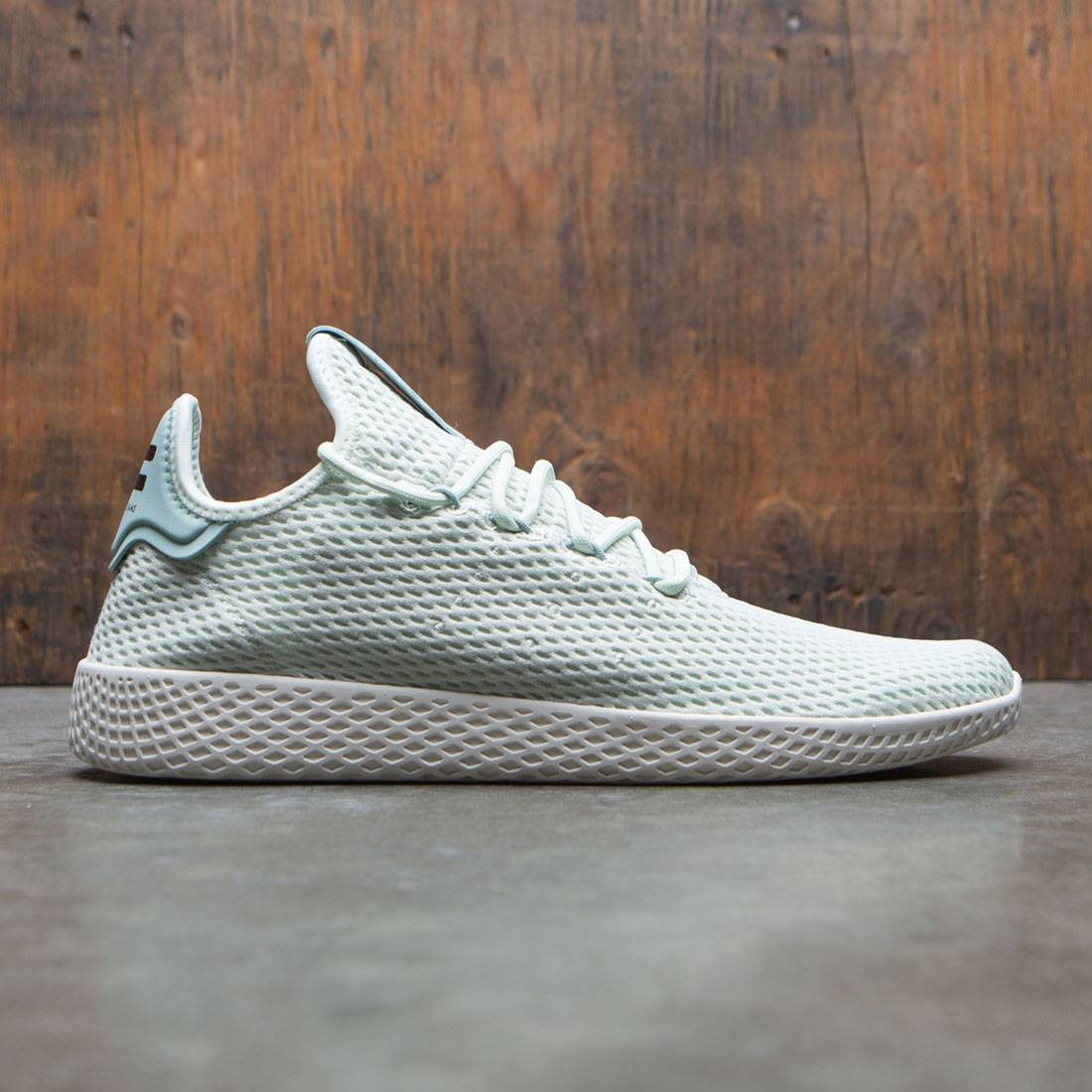 9e3e2ae6ebeb7 Adidas x Pharrell Williams Men Tennis Hu green linen green tactile green