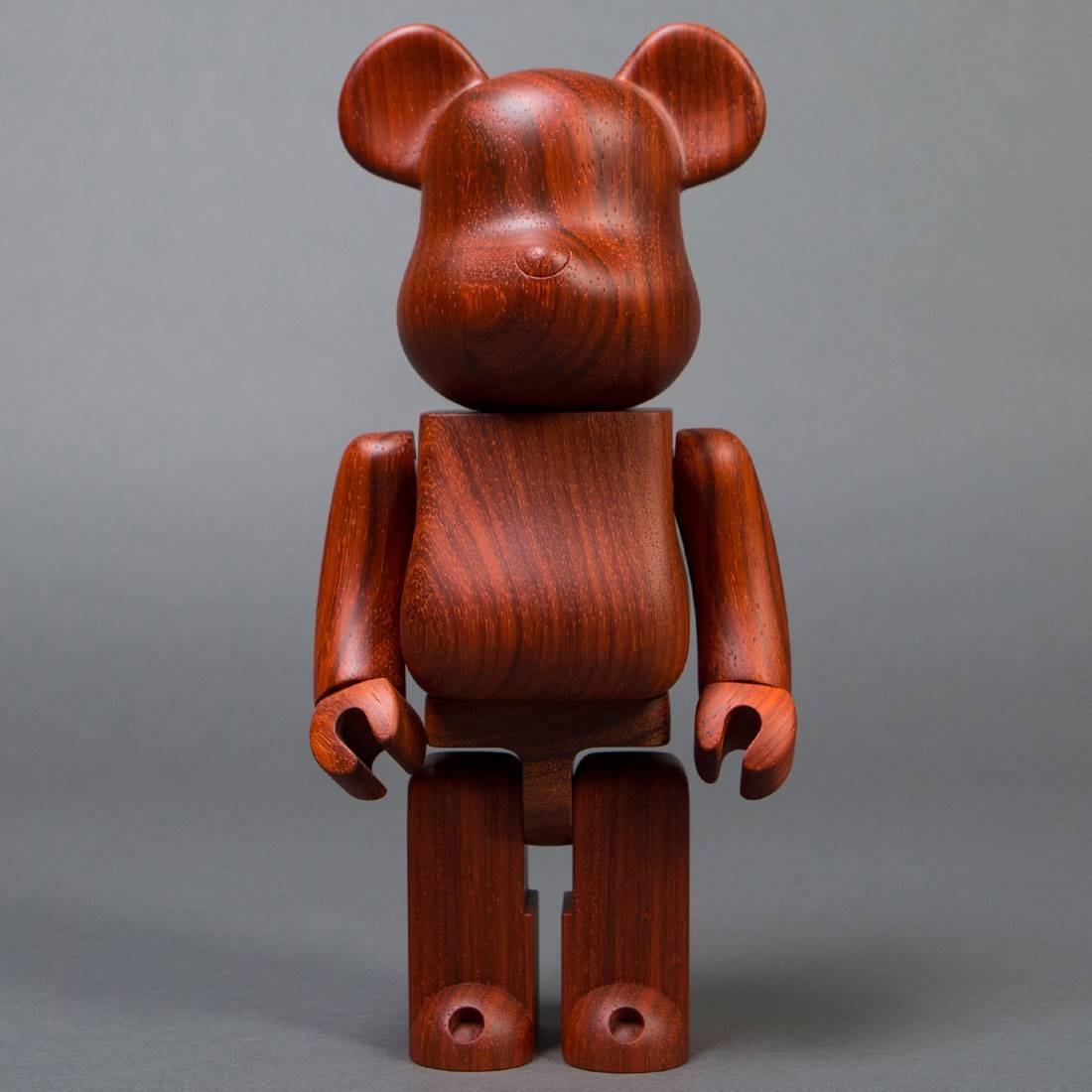 26033960 Medicom x Karimoku Padauk 400% Wooden Bearbrick Figure brown